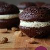 Foodblogswap: chocolade whoopies met kruidnoten