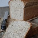 Spelt brood met lijnzaad