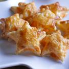 Bladerdeeg sterren met kaas