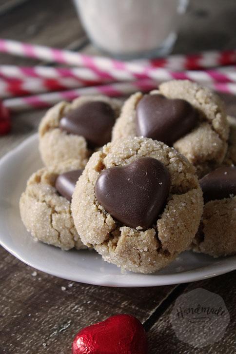 Pindakaas koekjes met chocolade hart | HandmadeHelen